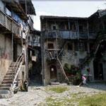 ItaliAdesso-Strada-Taverna-Catremerio-Valle-Brembana-Bergamo-Noord-Italie-wandelen