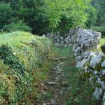 ItaliAdesso-Strada-Taverna-Valle-Brembana-Bergamo-Noord-Italie-wandelen